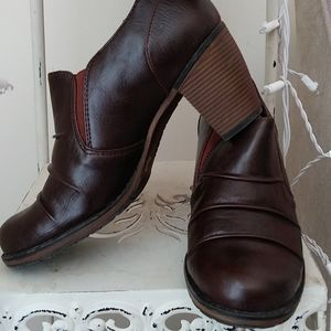 White Mountain drk Brown Booties